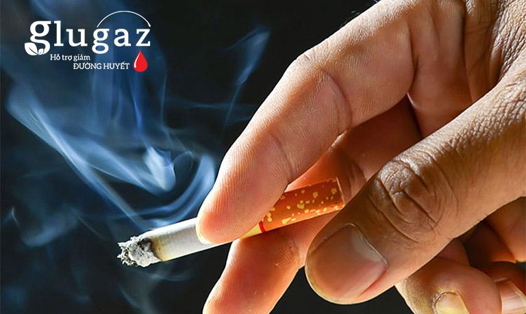 Hút thuốc lá - thói quen xấu khó bỏ của nhiều người bệnh tiểu đường